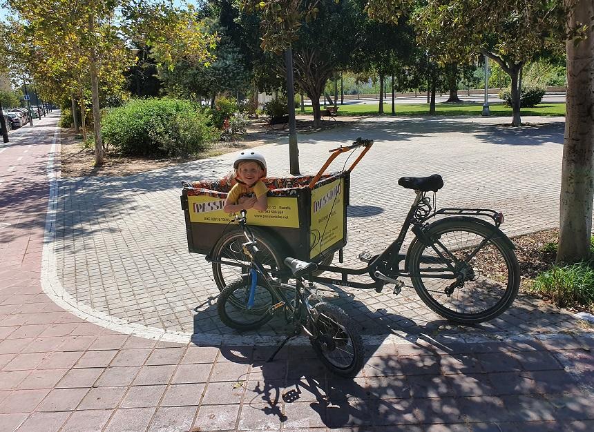 Een bakfiets huur je bij Passion Bike