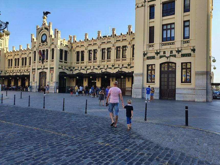 Valencia Family Tour - Tourism Hub - Estació del Nord