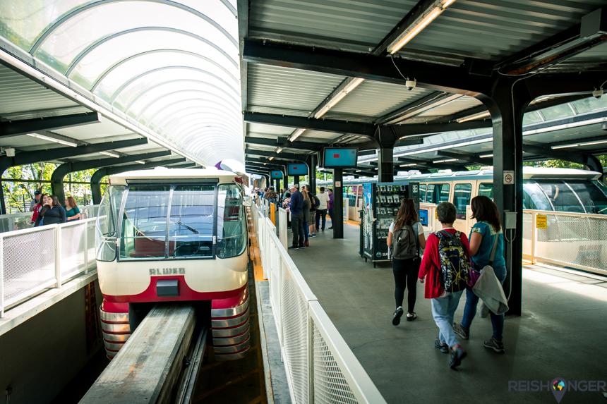 Vanaf het Westblake Center op 5th Street in Downtown brengt de Monorail je naar Seattle Center