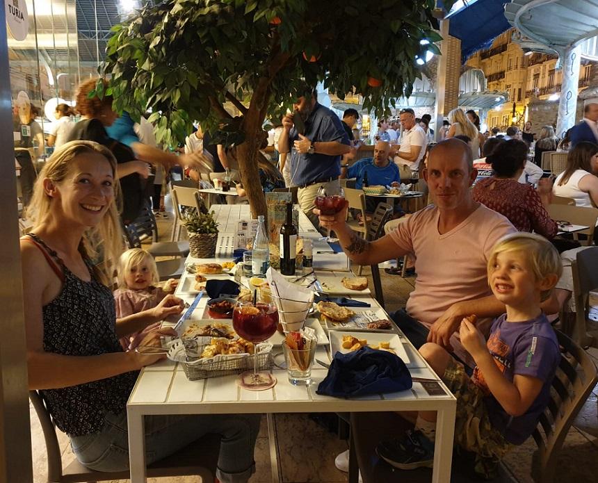 Mi Cub - tapas eten in de Mercado de Colón