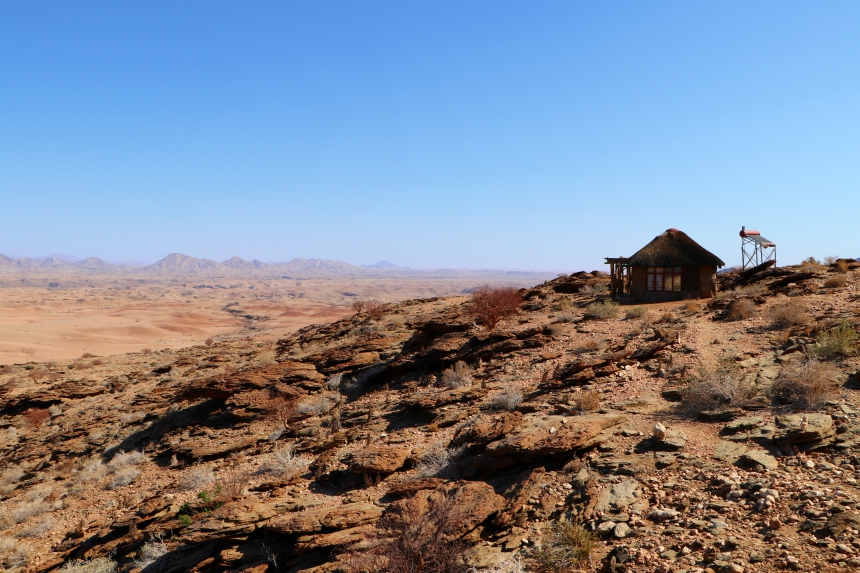 Namib's Valley of a Thousand Hills: houten bungalows middenin de woestijn van Namibie