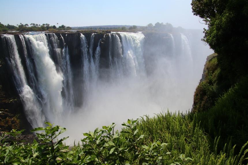 De Victoria watervallen zijn zelfs in het droge seizoen indrukwekkend
