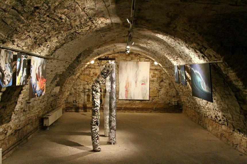 Een kunstgalerie in een gewelf in Göttingen
