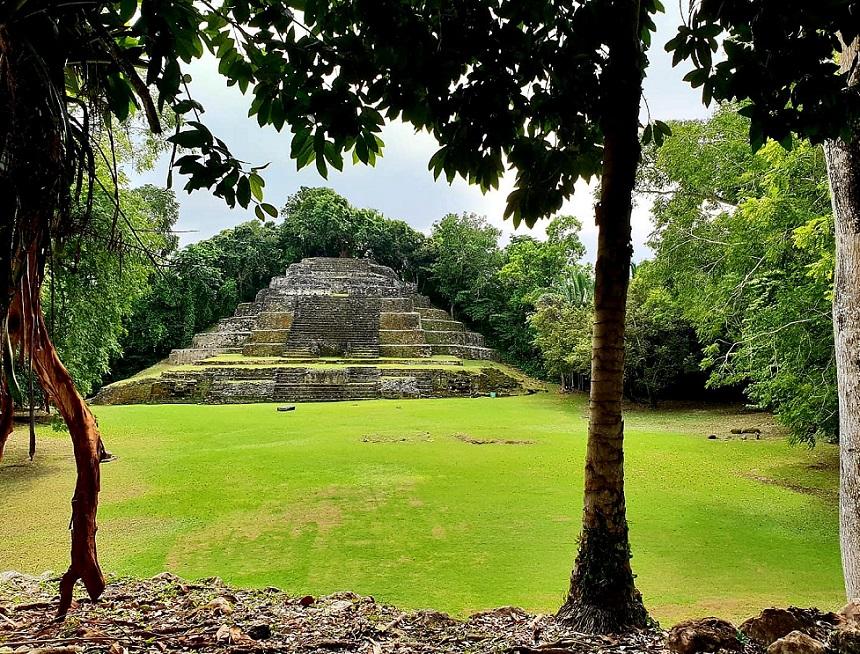 Jaguar Temple Lamanai - Structure N10-9