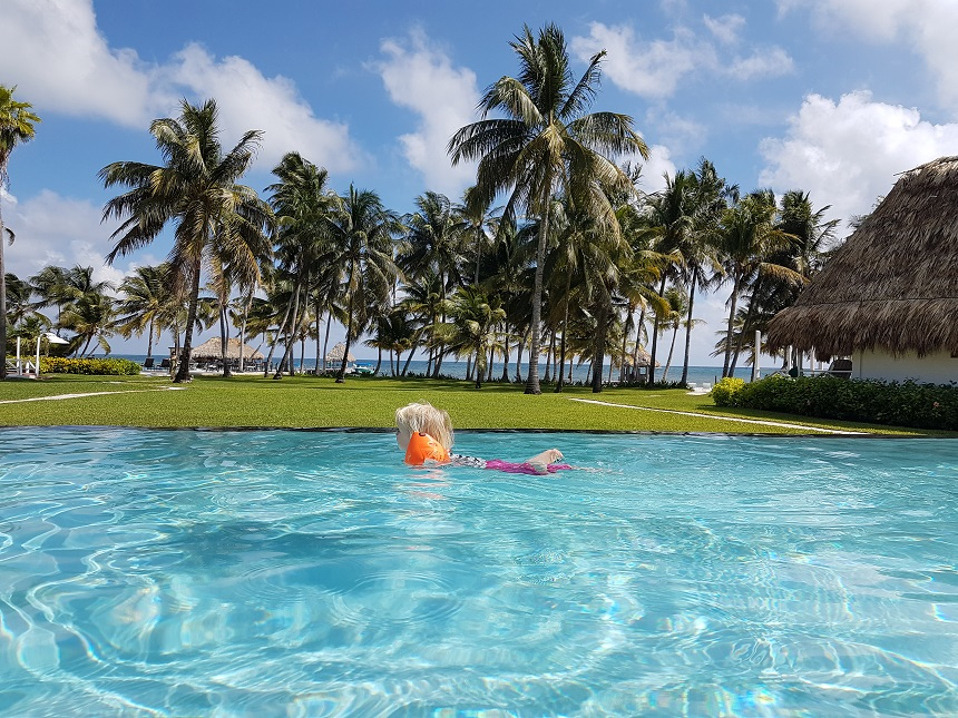 Zwemmen bij Victoria House Ambergris Caye