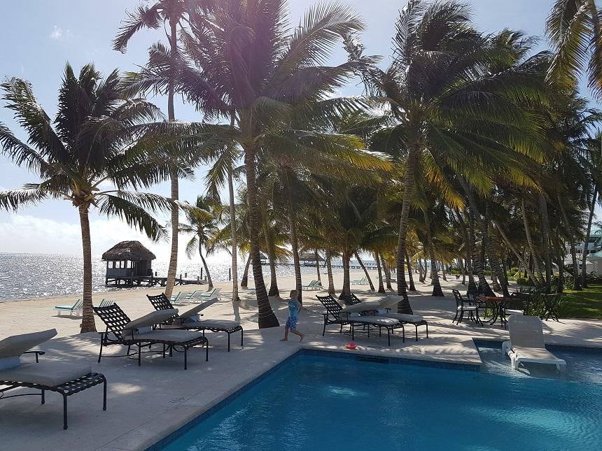 Victoria House - witte stranden met palmen op Ambergris Caye