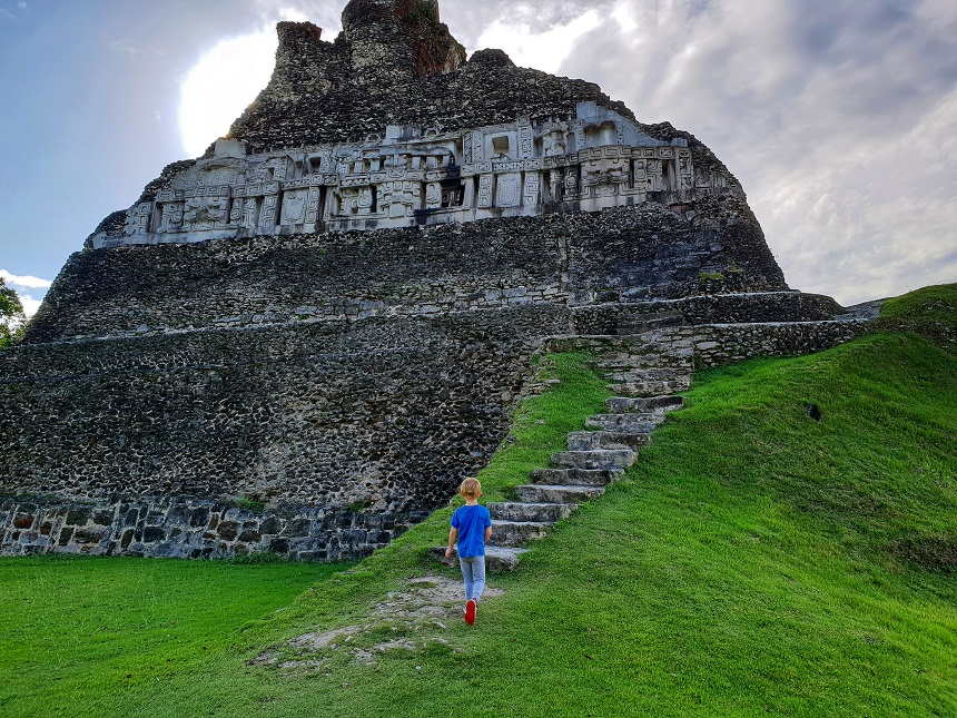 Xunantunich: de mooiste Maya-ruïne in Belize
