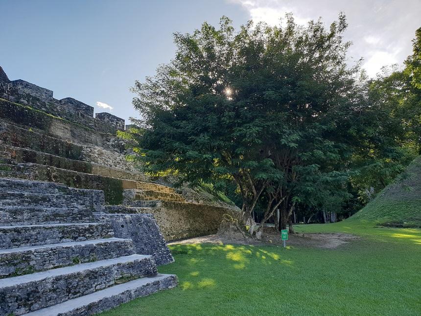 Xunantunich diende als het Maya ceremoniële centrum
