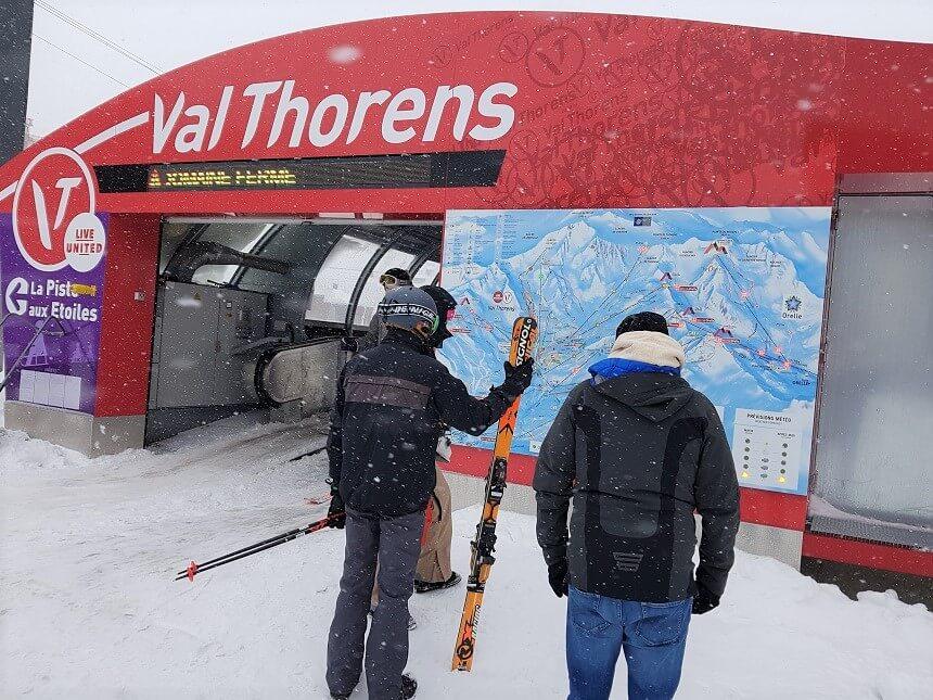 Die-hard wintersporters op zoek naar open liften