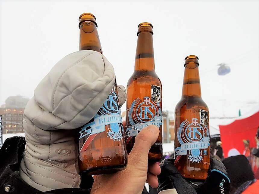 Proosten op de opening van het nieuwe wintersportseizoen in Val Thorens