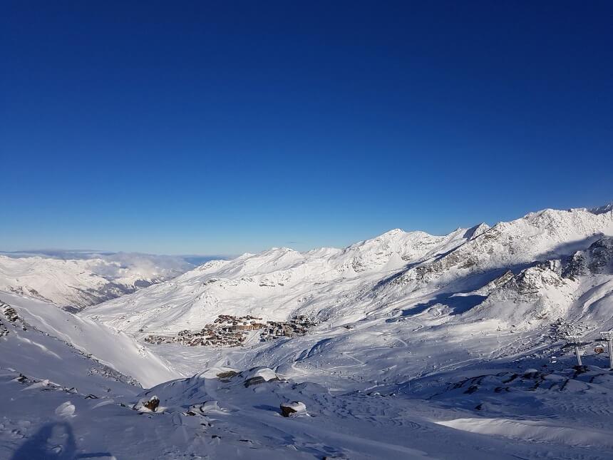Uitzicht op Val Thorens vanaf de fantastische pistes