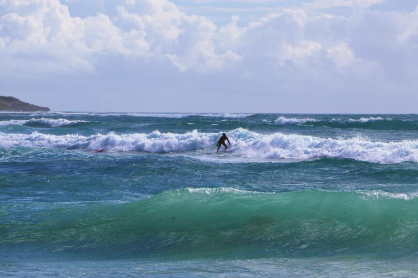 Op Guadeloupe kun je goed surfen