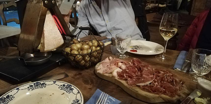 Heerlijk eten in één van de vele restaurants in Tignes