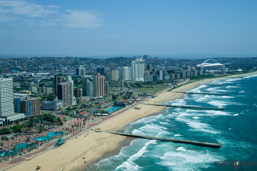 Helicopterview kustlijn Durban