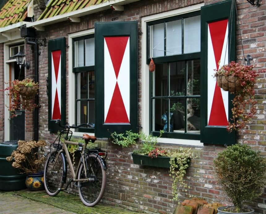 Het Doolhof is het oudste deel van Volendam