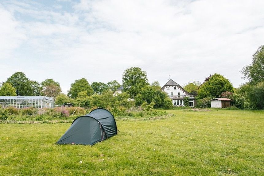 Kamperen in de tuin- campspace - een van de initiatieven in de reisbranche