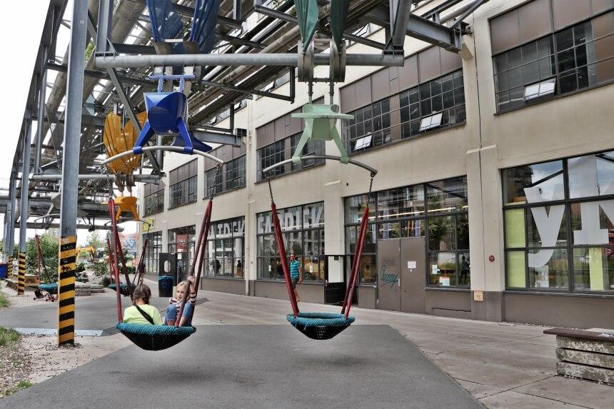 Fiets ook zeker even langs Strijp S, een culturele zone in Eindhoven
