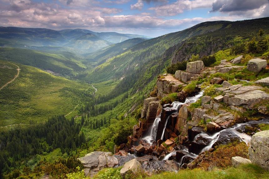 Reuzengebergte_watervallen