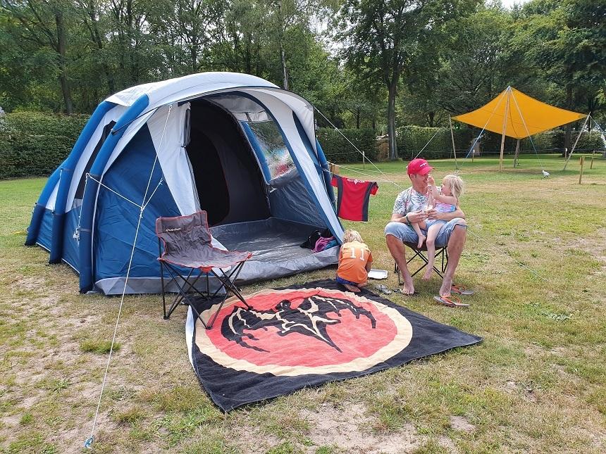 decathlon fresh en black tent