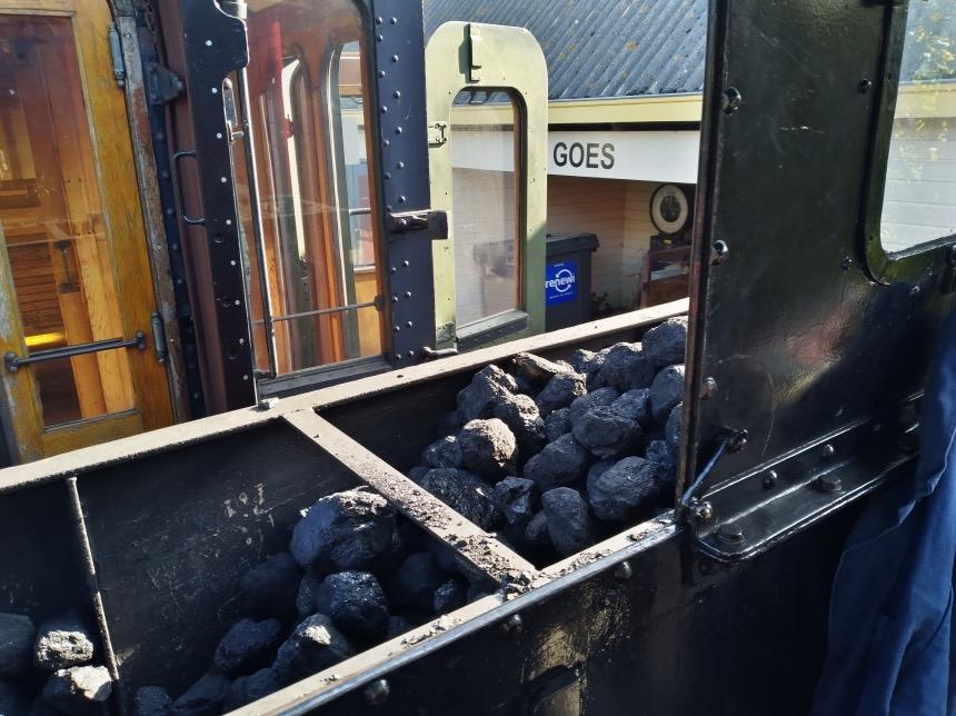 Kolen voor in de stoomtrein van Goes naar Hoedekenskerke