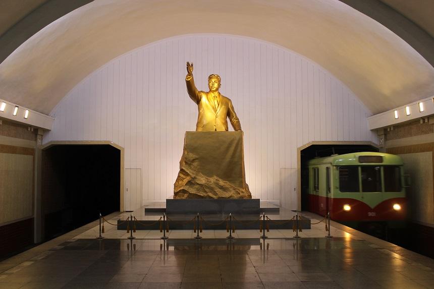 Noord-Korea - leider in metro