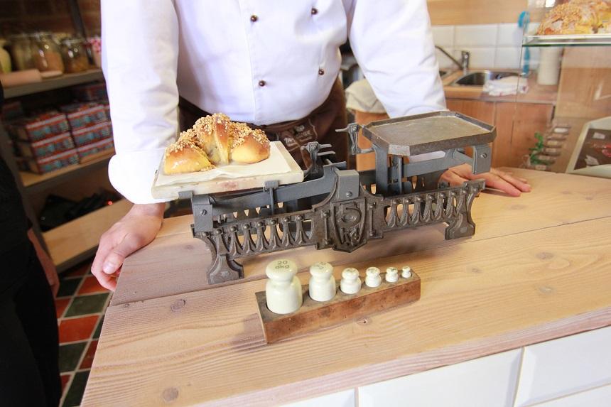 Sint Maarten croissant - Jakub Pindych