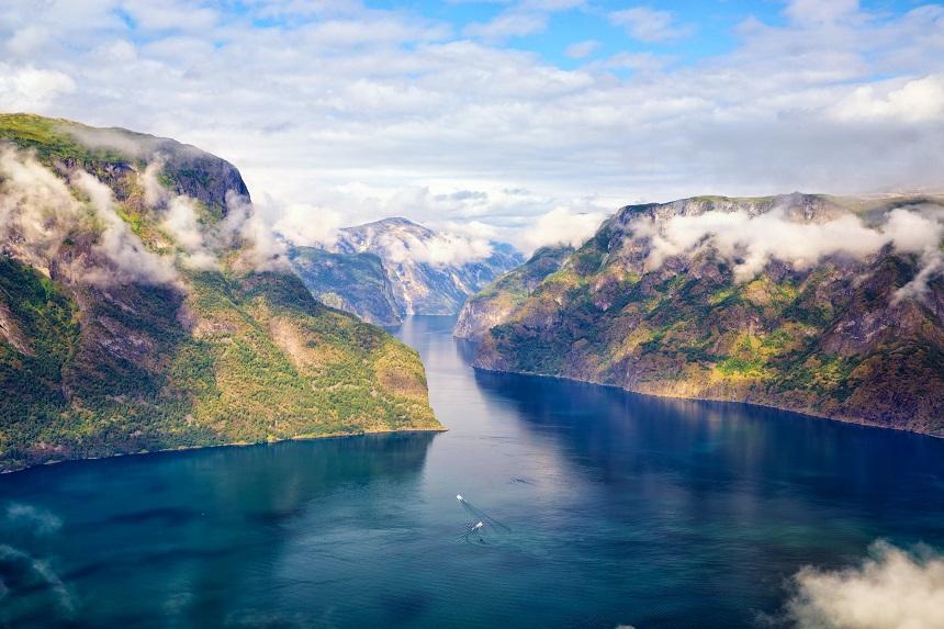 Het Aurland- en Sognefjord vanaf het Stegastein uitzichtpunt