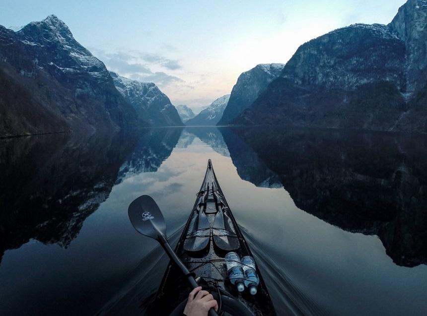 Zeekajakken in de Noorse fjorden