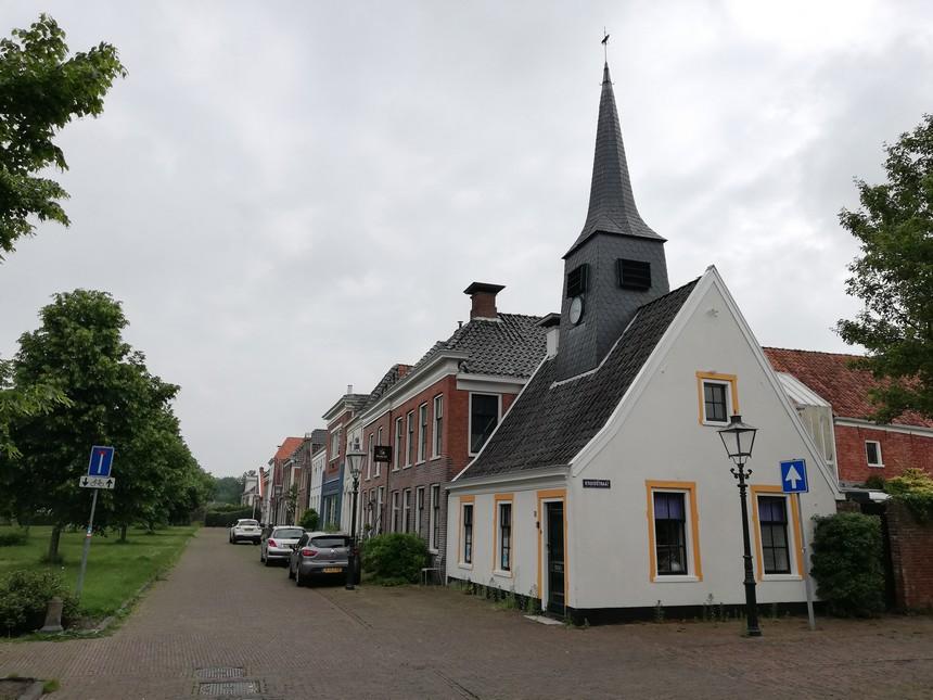De Hoofdwacht in het centrum van Bad Nieuweschans - grensverhalen Groningen