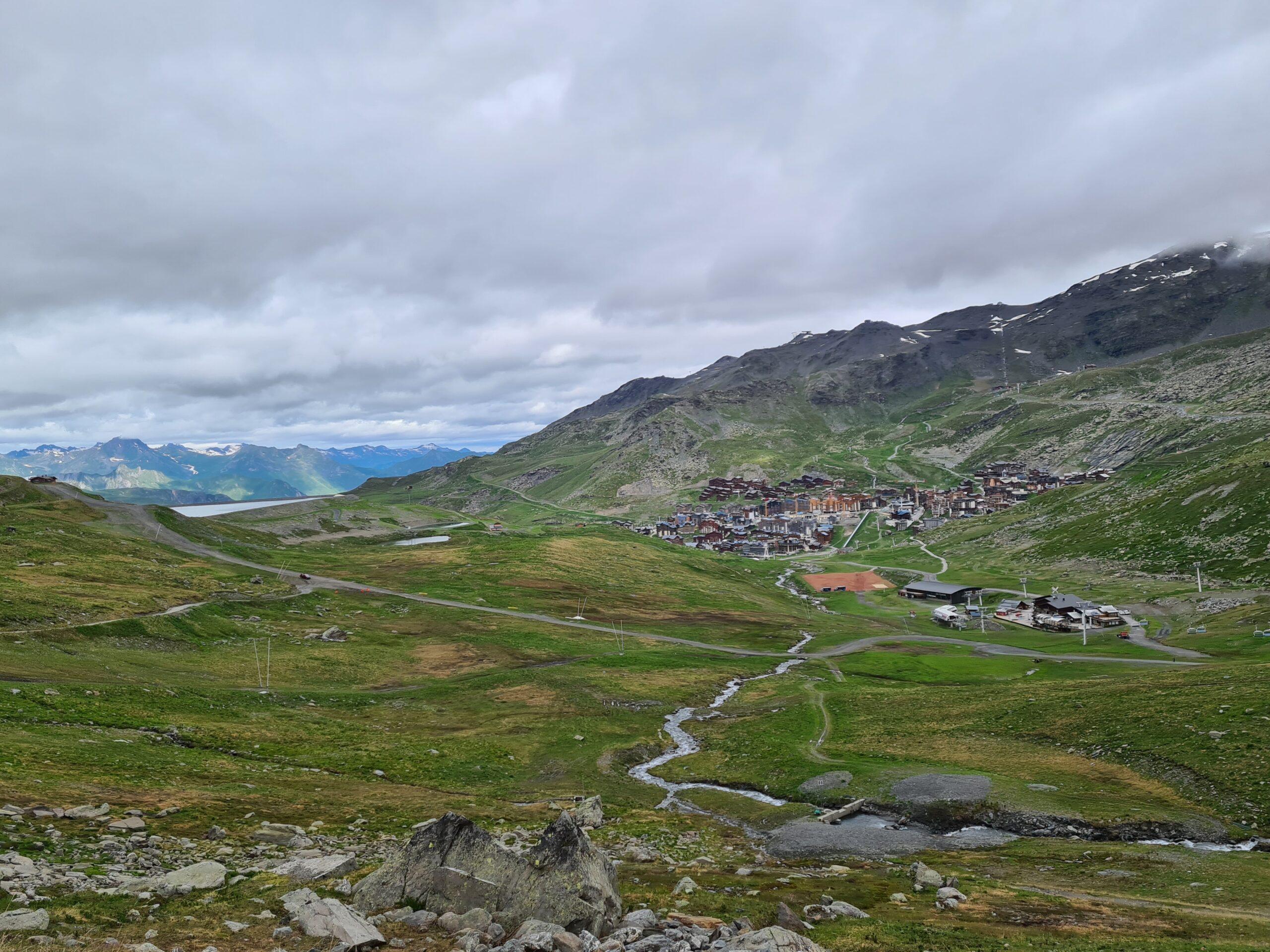 Uitzicht op Val Thorens vanaf de Morene berg
