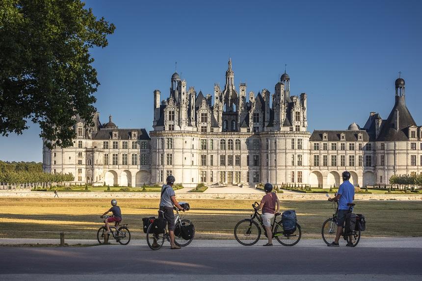 A vélo au Domaine de Chambord. - D. Darrault - CRT Centre-Val de Loire