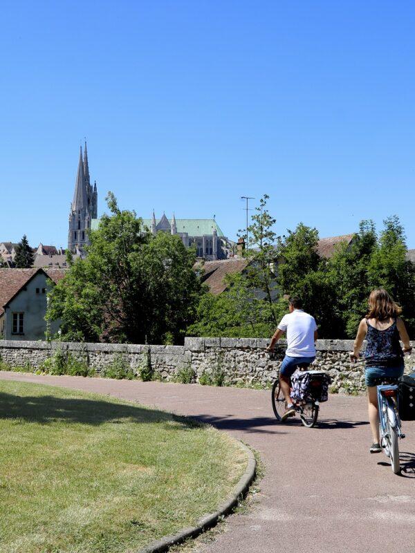A vélo sur la Véloscénie, à Chartres - B. Moriceau - CRT Centre-Val de Loire