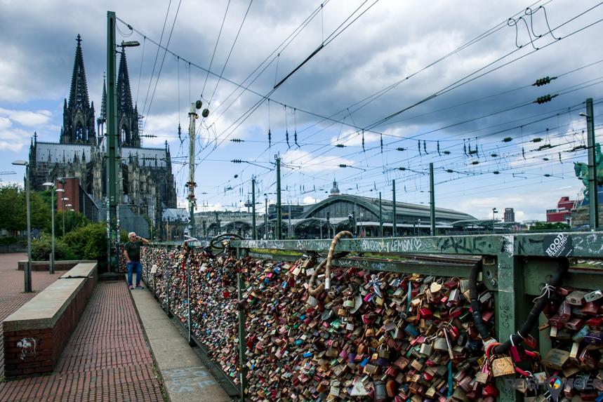 Hohenzollernbrücke - de beroemdste brug van Keulen