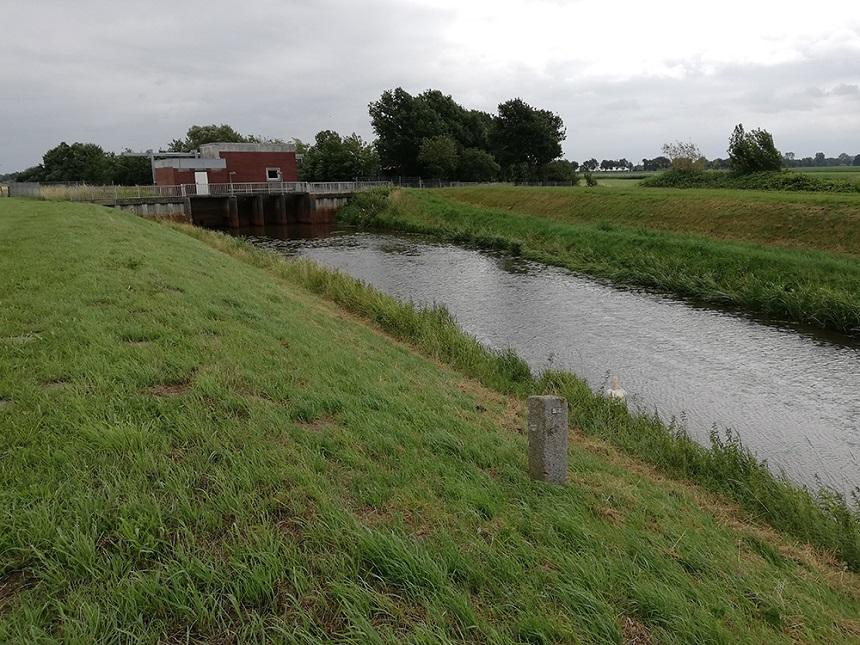 Grenspaal bij grens met Overijssel