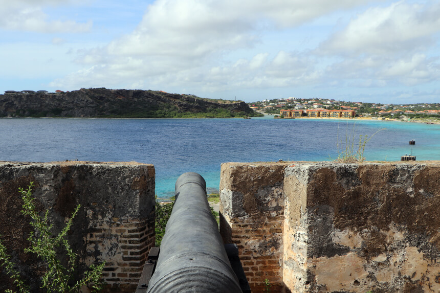Aan de Caracasbaai ligt Fort Beekenburg uit 1703