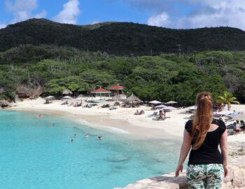 6x 'Van het strand af' op Curaçao