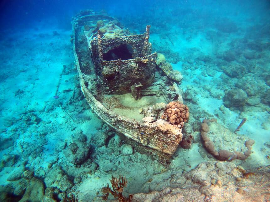 Tugboat Beach is een van de mooiste plekken om te snorkelen op Curacao