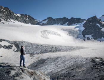 Beklim een gletsjer in de Franse Alpen